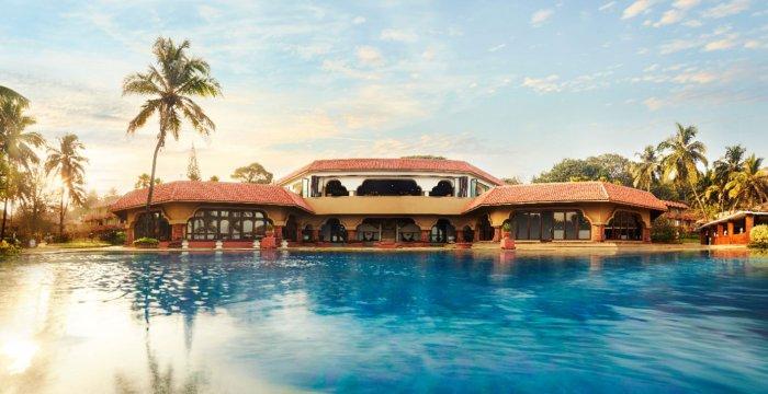 اقامت در لوکسترین هتلهای ساحلی با تورهای ویژه نوروز ۹۸